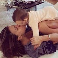 claudia galanti e la figlia indila su instagram ultime foto della bimba