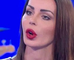 nina moric a domenica in litigio in diretta tv con paola perego replica su instagram contro la rai