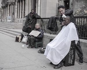 mark bustos parrucchiere dei senzatetto a new york