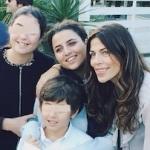 sara daniele con la madre Fabiola Sciabbarasi e d i fratelli sofia daniele e francesco daniele