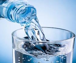 La dieta dell'acqua: perdere peso con un bicchiere d'acqua