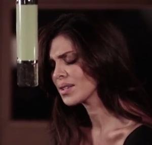 maria belen rodriguez canta video amrti e folle su youtube e iTunes