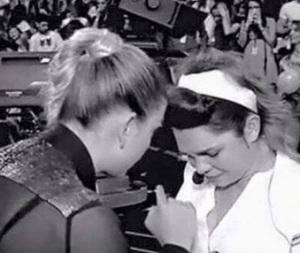 emma e valentina in crisi per le critiche amici 2015