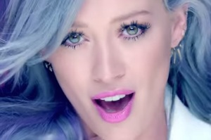 hilary duff capelli grigi nel video del nuovo album ultime news