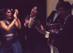 ian somerhalder e nikki reed ballano e cantano con un band in hotel