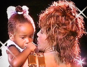 whitney houston e bobbi kristina brown da piccola al concerto