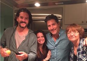 Shannen Doherty su Twitter ultima foto  con il marito Kurt Iswarienko e Holly Marie Combs