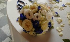 bouquet sposa rose blu molino grassotti