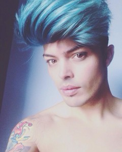 stash the kolors foto ciuffo blu facebook