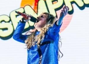 Eleonora Anania eliminata da x factor 2015 infuriata arrabiata con skin manda tutti a quel paese