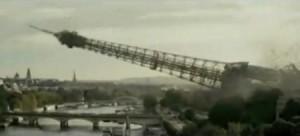 torre eiffel che crolla nella senna dal film la nascita del cobra diffusa dall isis