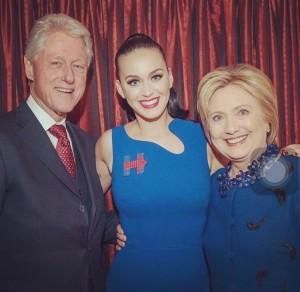 Katy Perry sostiene hilary clinton foto social