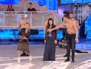 emma marrone balla con stefano de martino ad amci 15 anticiapzioni in diretta live streaming video