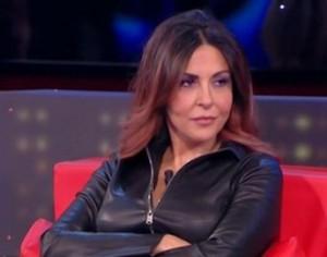 sabrina ferilli arrabbiata eslcusa da emma  per morgan ad amici 15 vendetta vota blu