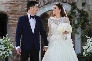 Kaan Yıldırım Ezgi Eyüboğlu foto matrimonio degli attori di happiness matrimonio batu kumasal