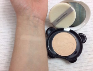 swatch-tony-moly-pandas-dream-clear-pact-cipria-compatta