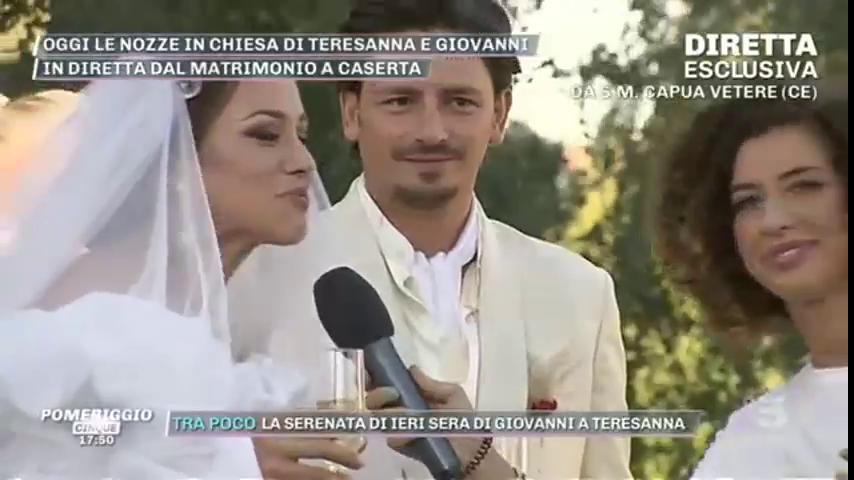 6aefd760825d Matrimonio Teresanna Pugliese e Giovanni le immagini a Pomeriggio 5 -  NotizieWebLive.it