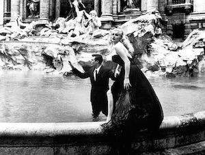 Anita Ekberg con marcello mastroianni la dolce vita foto film fellini