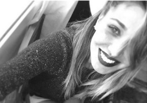 Belen Rodriguez cacciata da Guess: arriva la smentita