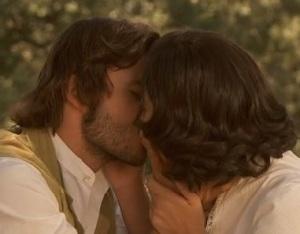 maria e gonzalo fanno l amore sull erba video youtube terza stagione il segreto