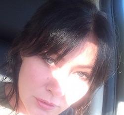 shannen doherty oggi figli alyssa milano  twitter  instagram streghe altezza filmografia photographer kurt iswarienko