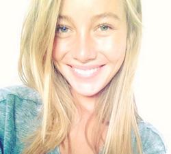 Charlotte Vega Foto e video di Instagram rita de il segreto attrice di the refugios