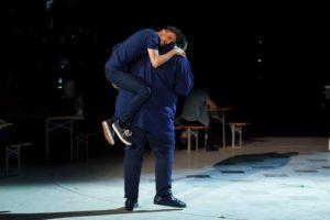 sergio e ale coreografia contro il bullismo ad amici 2016