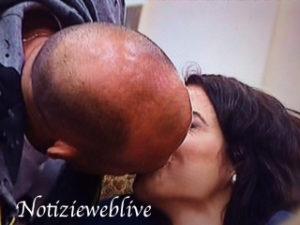 bacio-tra-stefano-bettarini-e-la-ciociara-alessia-macari-grande-fratello-vip-gfvip