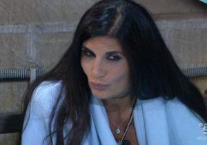 pamela-prati-non-fa-dormire-il-gruppo-in-nomination-lunedi-3-ottobre-2016